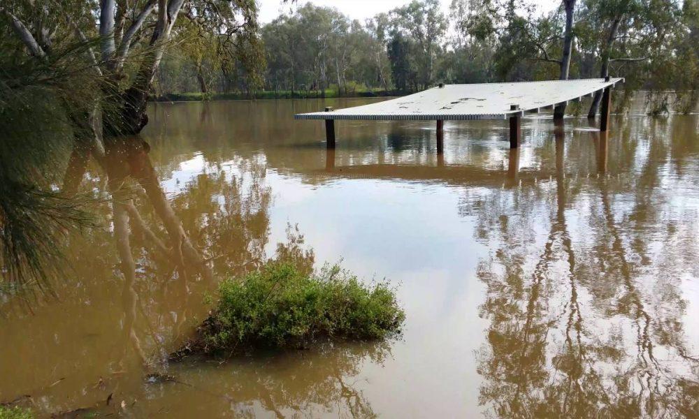 Wagga beach flooded 2016.