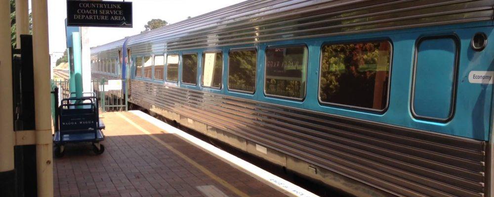 XPT set departing Wagga Wagga Railway Station