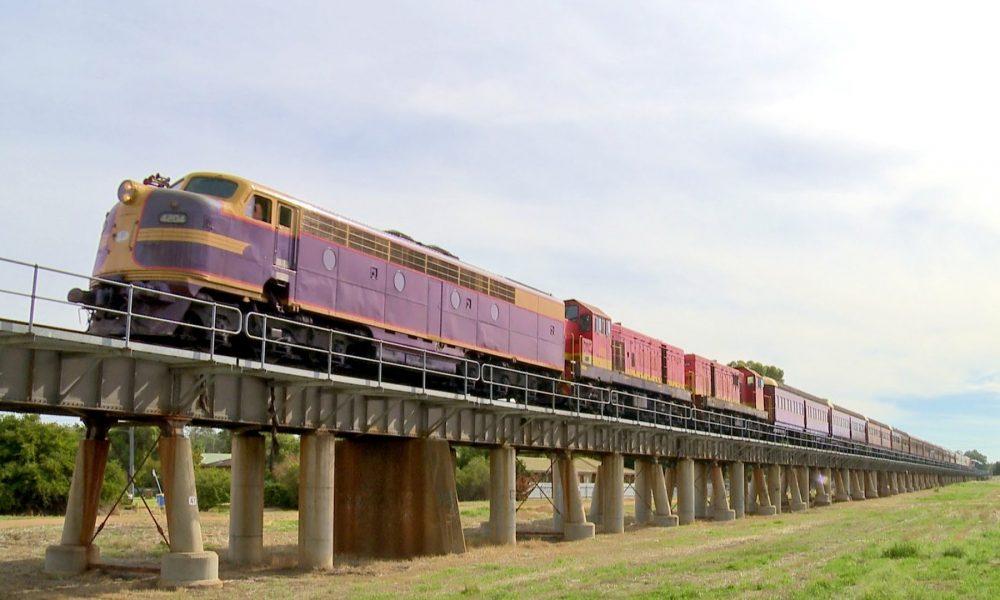 LVR Heritage Train featuring 3265 on the Wagga Wagga Viaduct – PoathTV Australian Trains & Railways