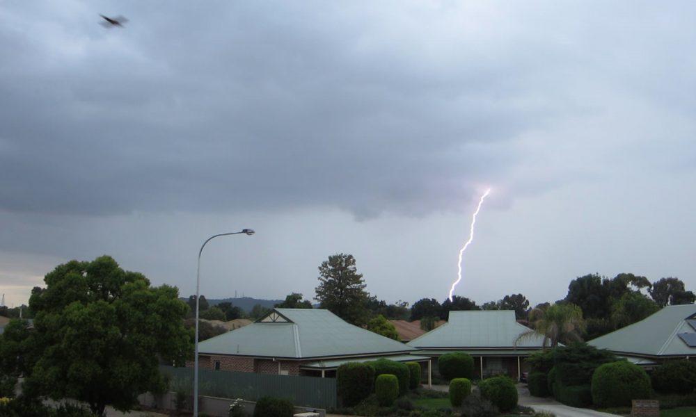 Wagga Wagga morning thunderstorm 12 November 2015