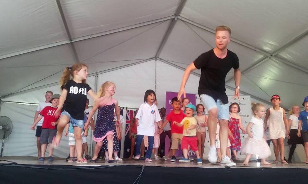 Lilly Trevaskis 5 years old dancing alongside Jarryd Byrne in Wagga Wagga NSW