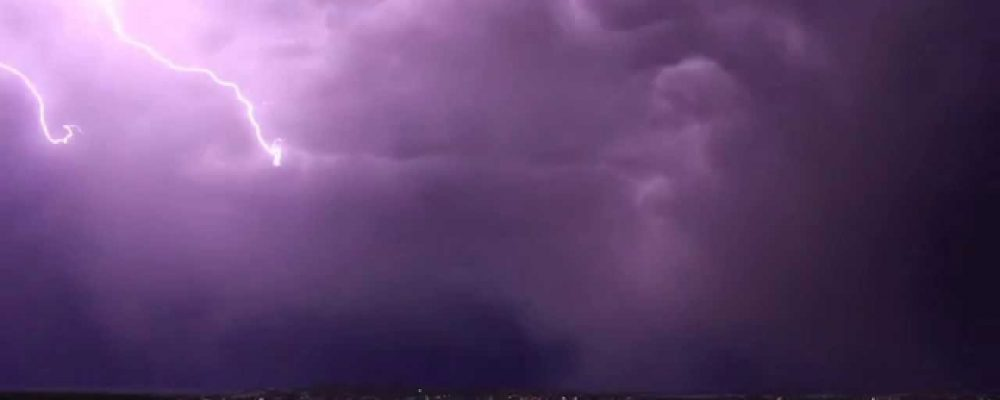 Epic Lightning strike over Wagga Wagga, NSW, Australia. Must watch.