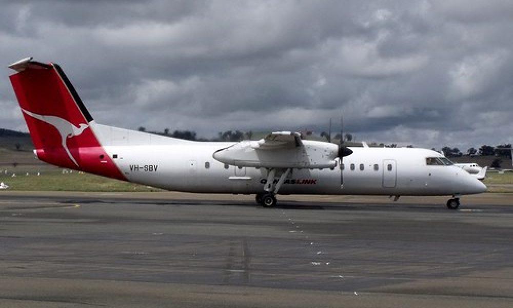 VH-SBV – QANTAS LINK – DHC-8-300