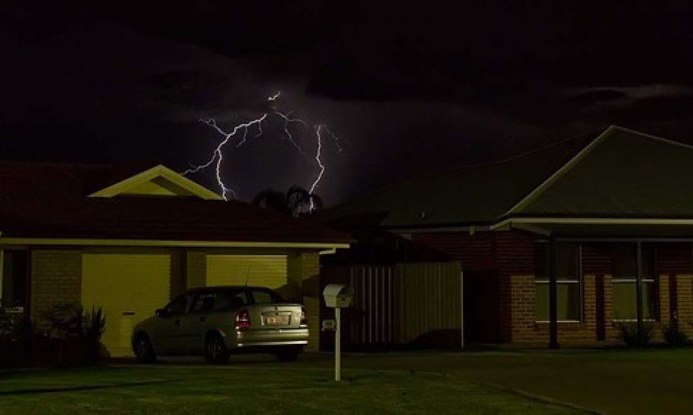 Paldi Crescent Lightning_6871